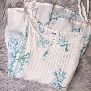 Teal Coral and White Top - M